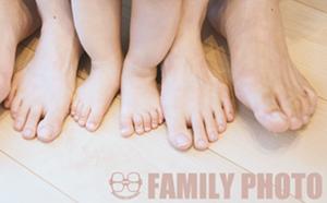 家族の足 works